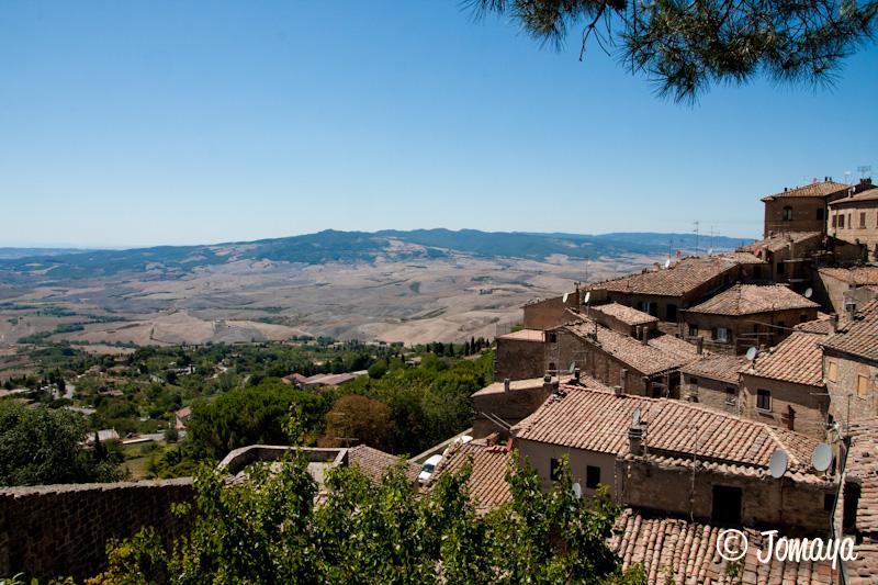 Volterra - vue sur les paysages toscans